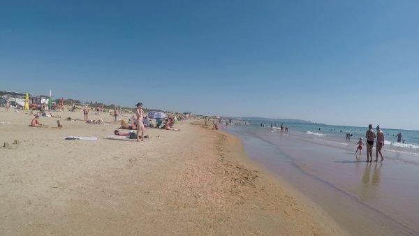 Анапский пляж в сентябре