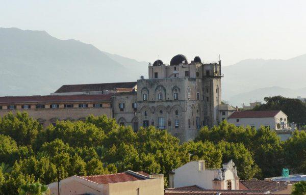 Астрономическая обсерватория в здании дворца Норманни в Палермо