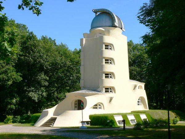 Башня Эйнштейна в Потсдаме
