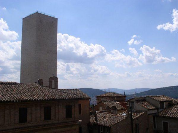 Башня Шири в Перудже