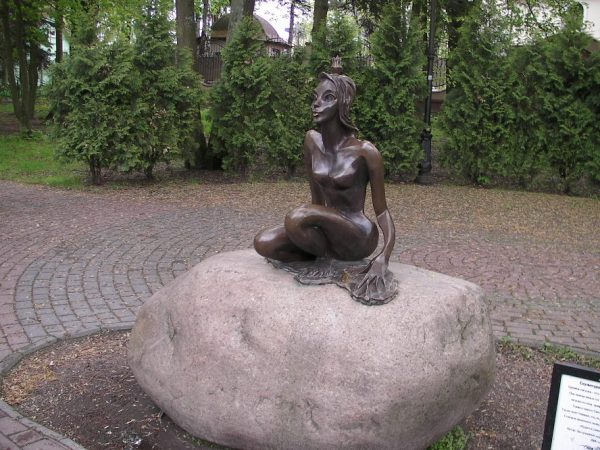 Скульптура «Царевна-лягушка» в Светлогорске