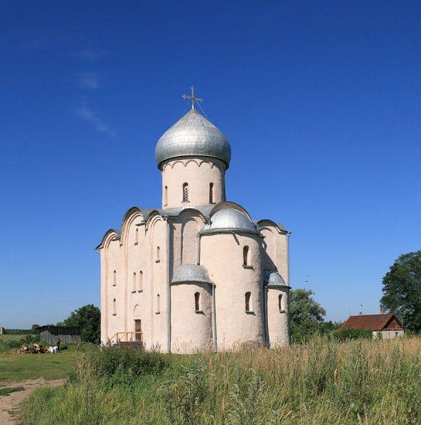 Церковь Спаса на Нередице в окрестностях Новгорода