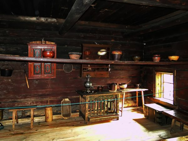 Дом крестьянина Елизарова внутри