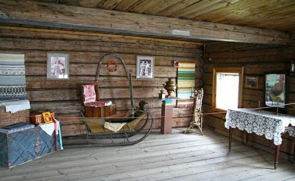 Дом крестьянина Ошевнева внутри