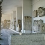 Экспонаты музея-лапидария