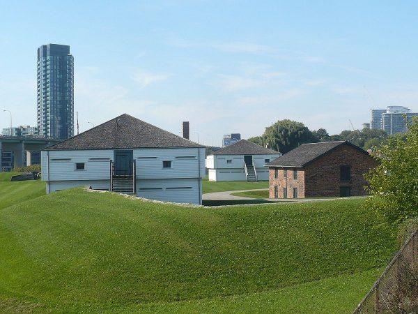 Форт Йорк в Торонто