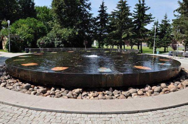 Ганзейский фонтан в Великом Новгороде