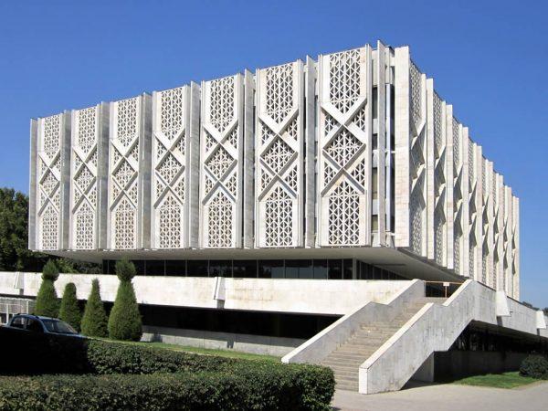 Государственный музей истории Узбекистана в Ташкенте