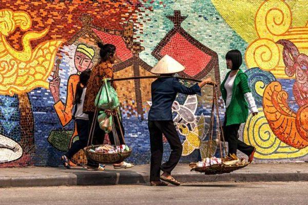 Ханойская керамическая мозаика в столице Вьетнама