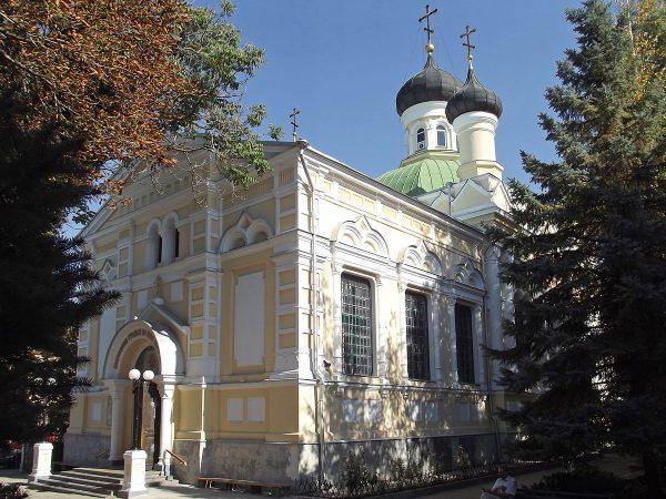 Храм Трёх Святителей в Симферополе