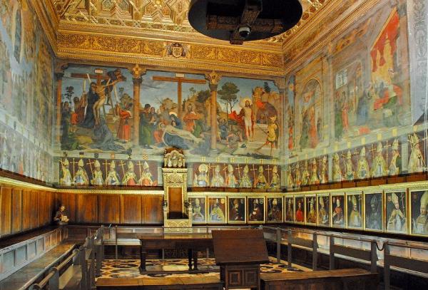 Интерьеры собора Святой Марии