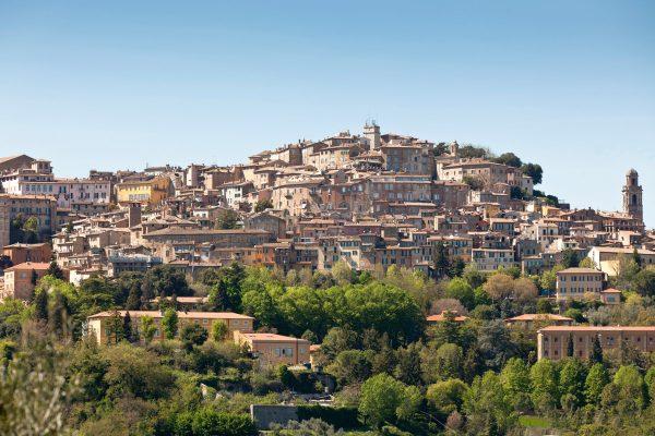 Историческая часть Перуджи на вершине холма
