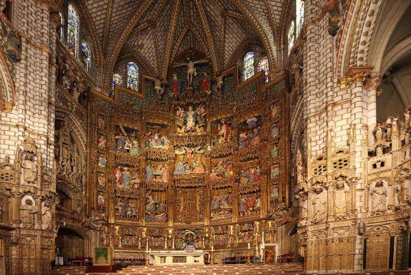 Кафедральный собор Святой Марии в Толедо изнутри
