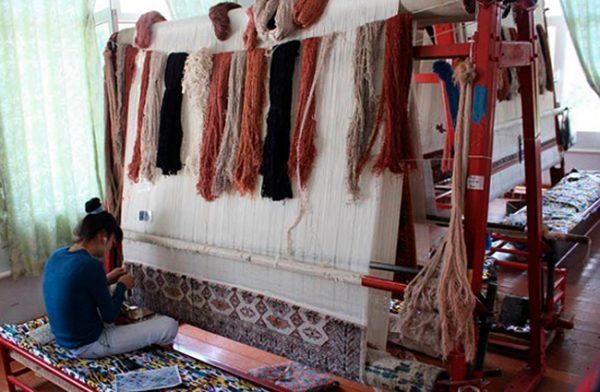 Ковровая фабрика «Худжум» в Самарканде