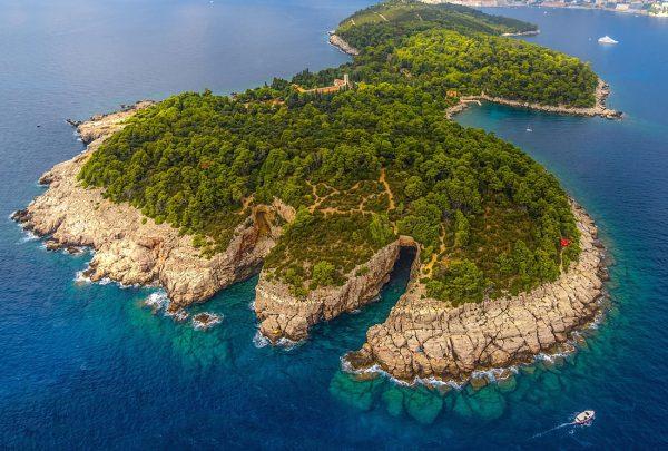 Остров Локрум недалеко от Дубровника