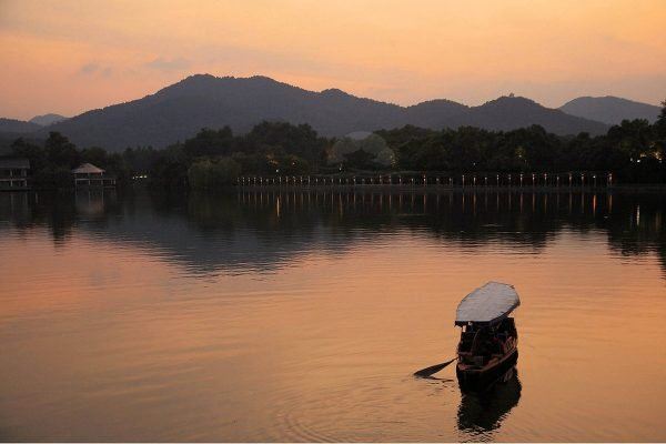 Парк созерцания цветов и рыб Хуагангуаньюй в Ханчжоу