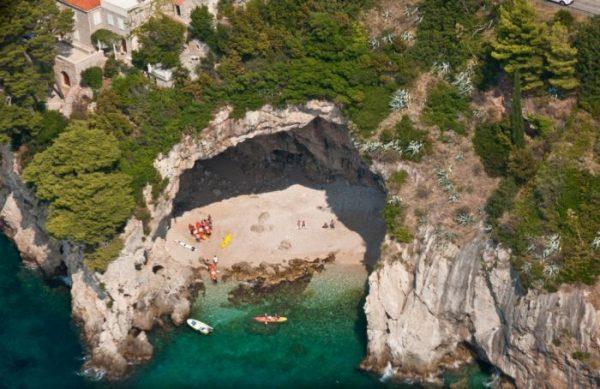 Пляжи острова Локрум недалеко от Дубровника