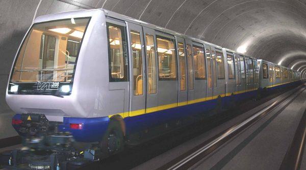 Поезд в метро Турина