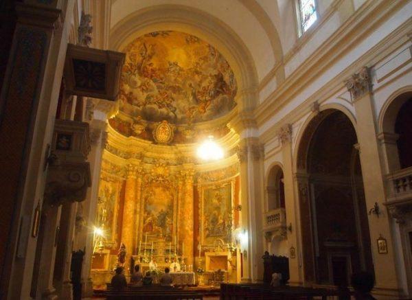 Собор Вознесения Девы Марии в Дубровнике изнутри