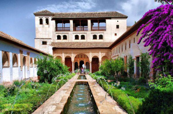 Сады Ханералифе в Гранаде