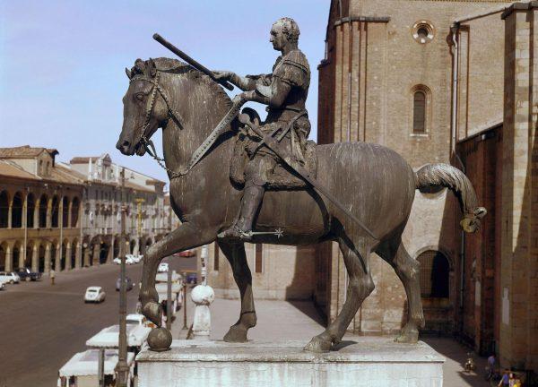 Памятник кондотьеру Эразмо да Нарни
