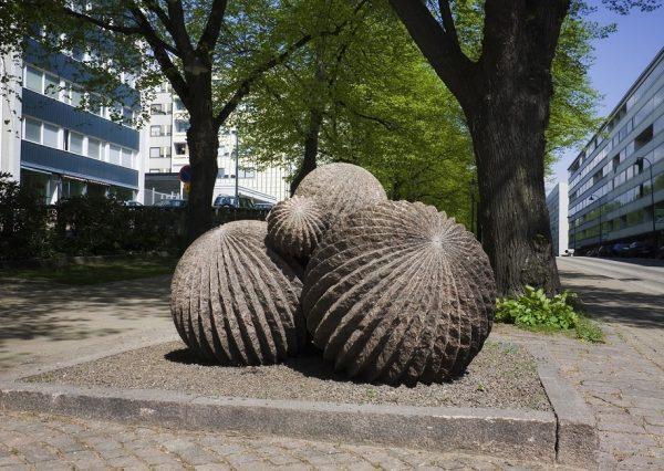 Скульптура «Цепляние»