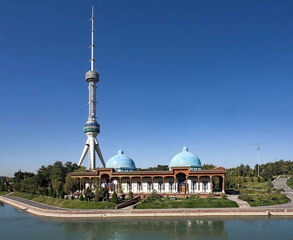 Ташкентская телебашня в Узбекистане
