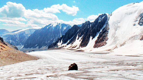 Горноледниковый бассейн Актру