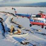Вертолёт зимой над островом Кижи