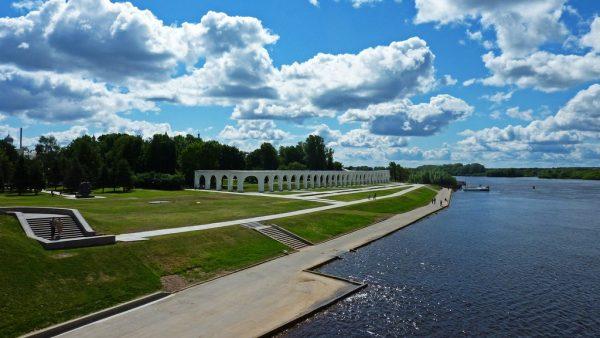 Вид на набережную реки Волхов Великого Новгорода