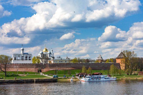 Новгородский кремль на реке Волхов