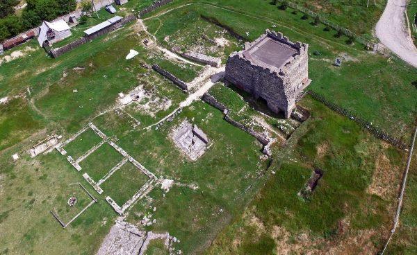 Вид на руины Неаполя Скифского недалеко от Симферополя