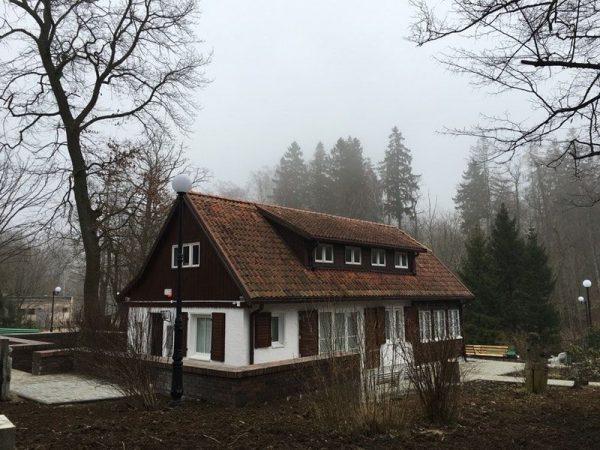 Вилла Брахерта в посёлке Отрадное