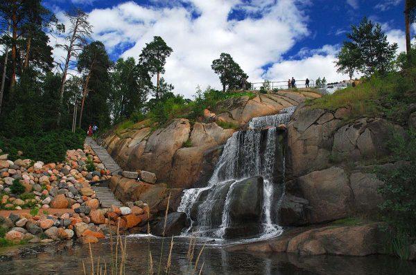 Водопад в парке «Сапокка» в Котке