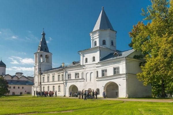 Воротная башня в Великом Новгороде