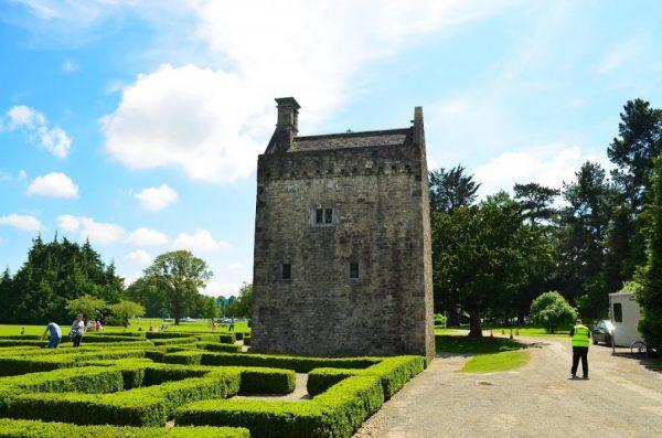 Замок Аштаун в Феникс-парке Дублина