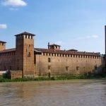 Замок Castelvecchio издали