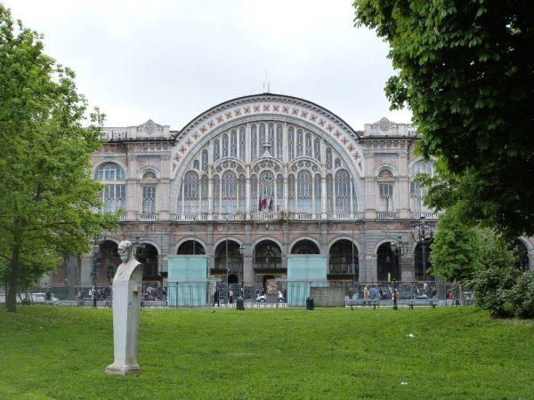 Здание железнодорожного вокзала Порта-Нуова