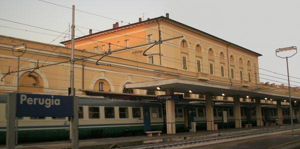 Здание железнодорожного вокзала в Перудже