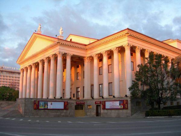 Зимний театр в городе Сочи