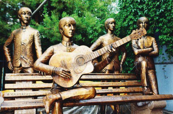 Памятник группе «Битлз»