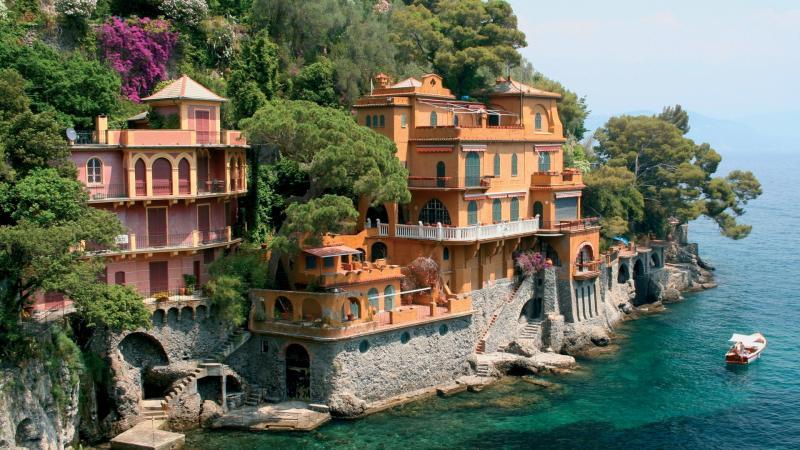 Генуя—город-порт в Лигурийском море