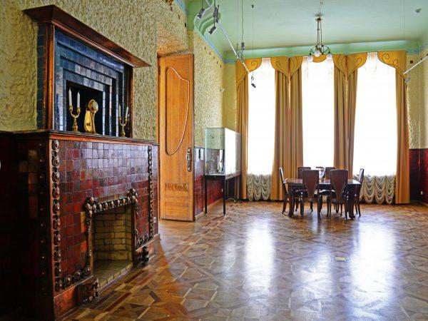 Интерьер столовой в музее модерна в Самаре