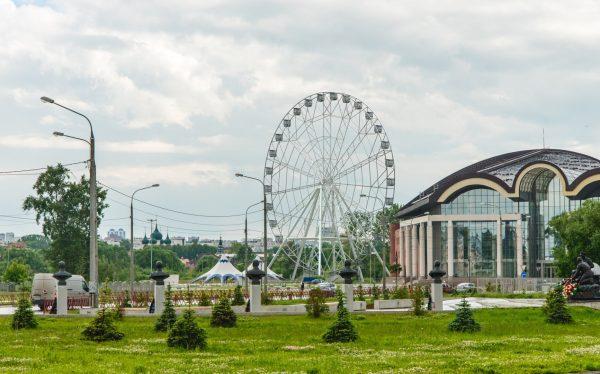 Колесо обозрения в Ярославле