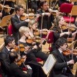 Оркестр Моцарта выступает на фестивале