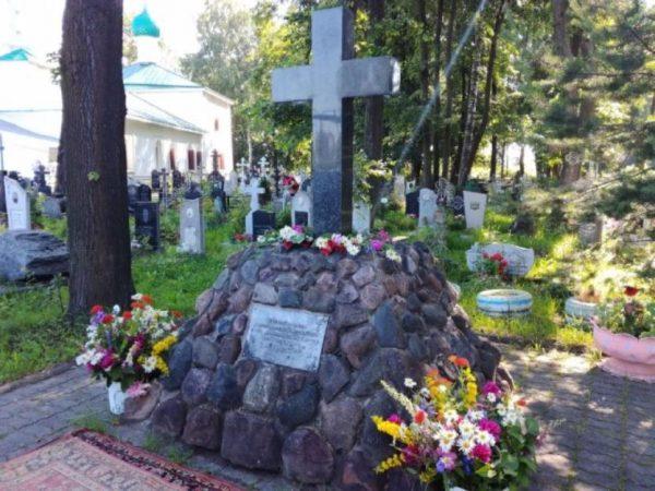 Памятный крест на Туговой горе