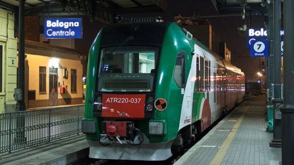 Поезд на станции Болоньи