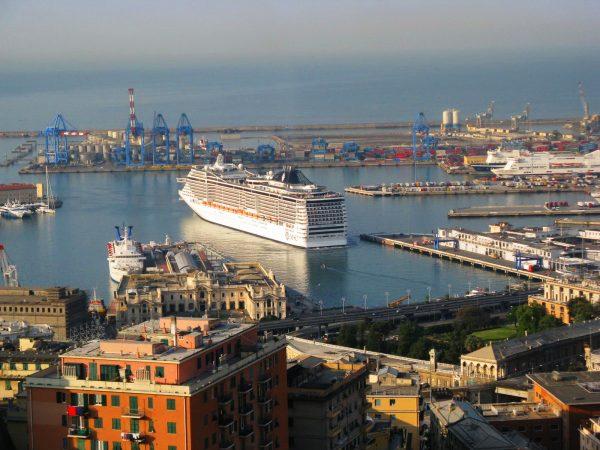 Морской порт Генуи
