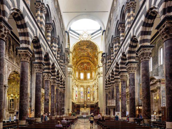 Собор Сан-Лоренцо внутри