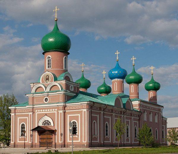 Спасо-Преображенский собор Тихвина